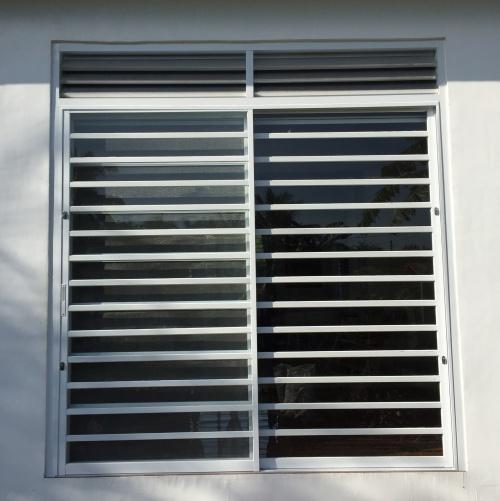Houseprojecteva for Outside side door